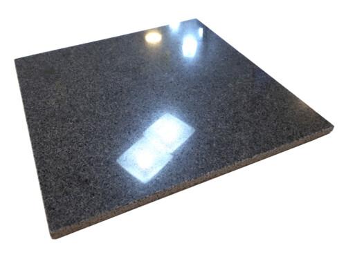 Płytki granitowe Padang Dark G654 30x30 cm polerowane