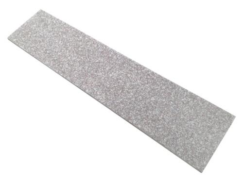 Stopnica schodowa granit Misty Brown G664 płomieniowana 150cm x 33cm x 2cm