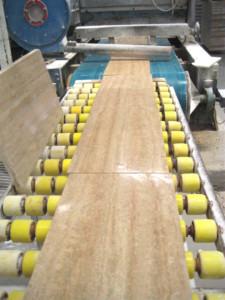 Jak powstają płytki trawertynowe